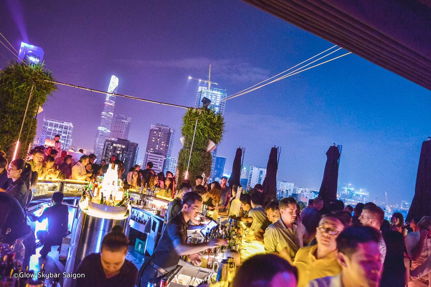 Quán bar Glow Skybar