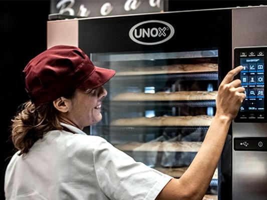 Ưu điểm của lò nướng đa năng 6 khay Unox Shop Pro - Touc